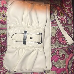 Elle White clutch bag